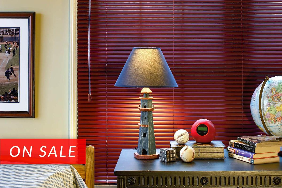 Aluminum mini blinds available in bold colors for any room theme/design. Softlook 6 comes with a sleek contoured headrail.