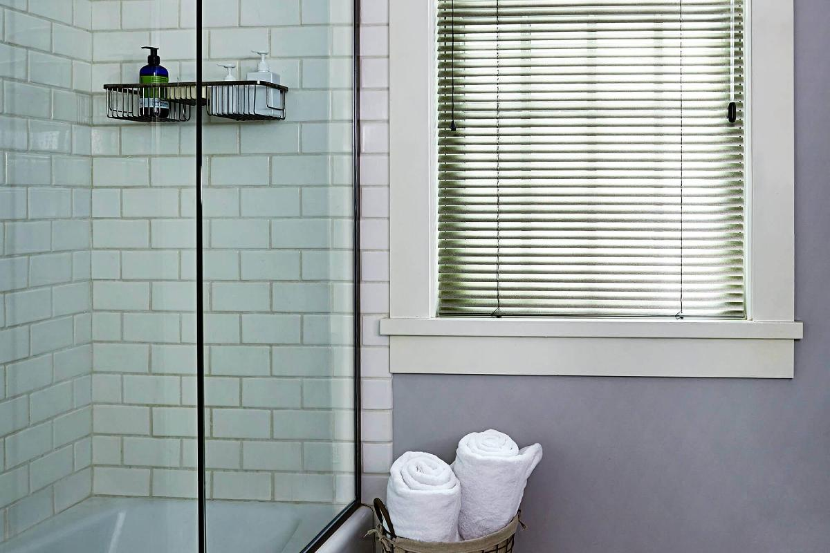 Bathroom window blinds - Softlook 8 Mini Blinds Have A Thicker Aluminum Able To Withstand Wear And Tear For Bathroom