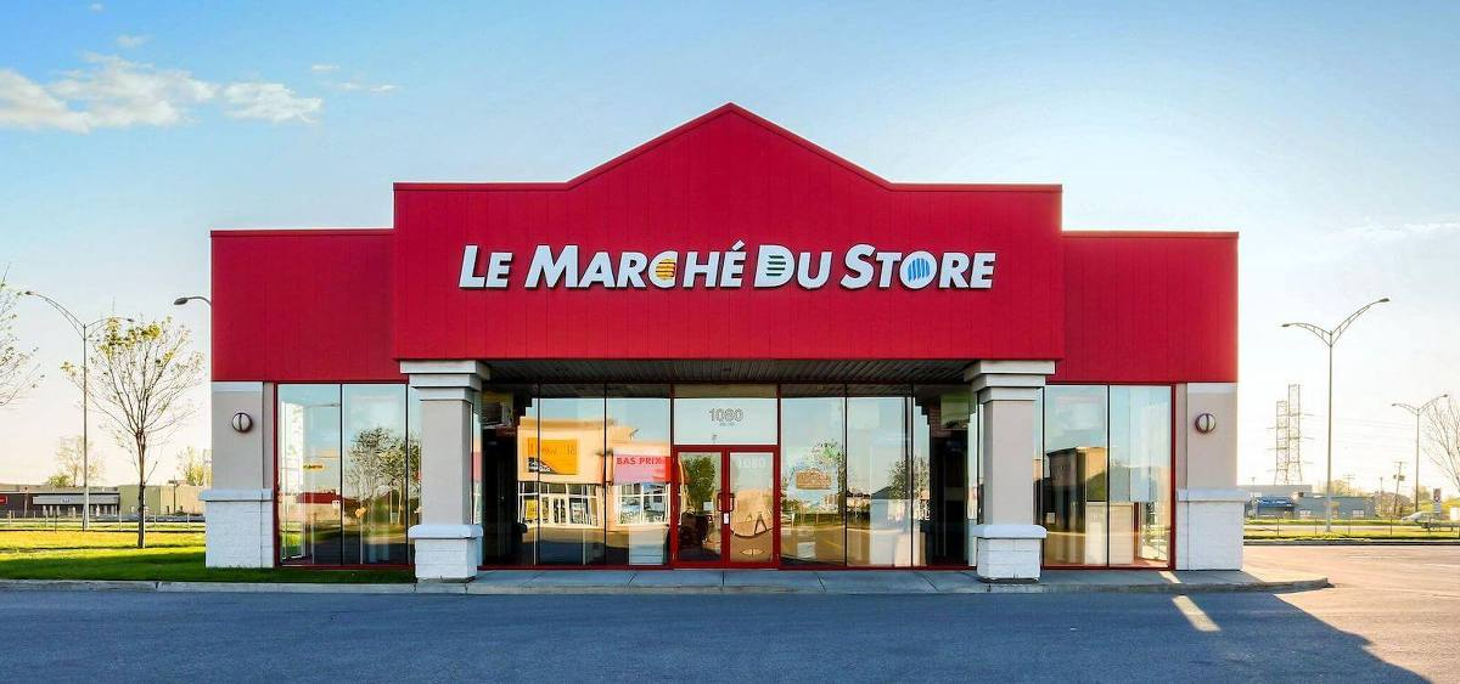 Devanture d'un magasin Le Marché du Store