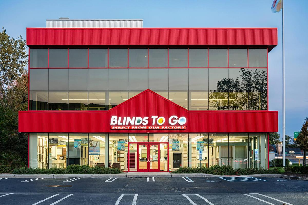 Our Paramus showroom services the Paramus, Hackensack, Manhattan area with the largest selection of custom blinds and shades